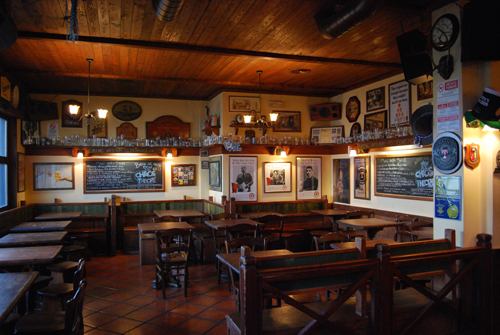 Re Artù beveva birra? Pub Roma #1