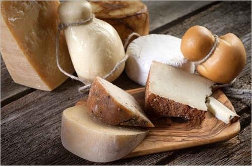 Come scegliere il formaggio? La forma e la prima impressione
